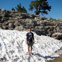 Снег летом на Ай-Петри