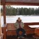 Парень на озере