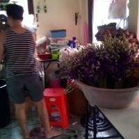 В магазине на Самуи делают цветы
