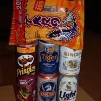 Тайское пиво, чипсы и соевые палочки