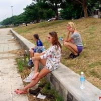 Болельщики и отдыхающие после бега