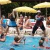 Шоу трансвеститов в воде