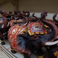Слоны-сувениры