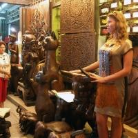 Лавка деревянных фигур